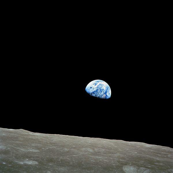 アポロ、地球.jpg